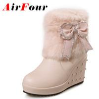 Venta al por mayor-Airfour Brown negro rosa blanca botas de piel mujeres cuñas tacón Rhinestone Slip-on botas arco señora zapatos Mujer Moda de gran tamaño 34-43