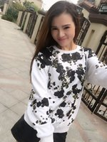 Wholesale 2017 new white starry flannel plus velvet sweater fashion trend long sleeved t shirt with the stars