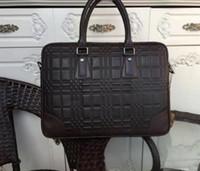 Compra Borse per gli uomini-hotselling borse di lusso di marca per il sacchetto di affari dell'uomo di modo del progettista di alta qualità genuino delle cartelle del cuoio borsa per l'uomo size39 * 30 * 6cm