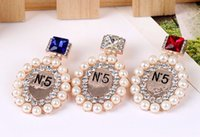 Wholesale New small fragrant perfume bottle brooches fashion small fragrant wind brooch