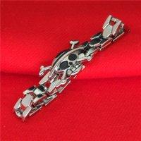 achat en gros de une seule pièce bracelet crâne-Luxe en alliage One Piece pirate crâne bracelets bracelets manchette pour moi les femmes mode Anime bijoux 161063