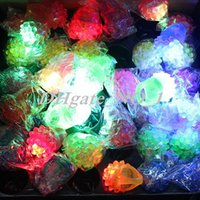 Wholesale Strawberry Glow Light Ring Torch LED Finger Ring Lights Flash Beams Light Halloween Party LED Toys Wedding