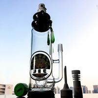 2017 Bouteille de vente chaude Bouteille en verre Bongs Percolator plateaux de pétrole Green Amber Teardrop Dabbing tuyaux 90 ° Quartz Banger 18.8 mâle joint DGC1205