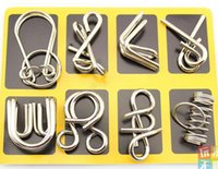 Vente en gros 8pcs / set Classic Wire Metal Iron Puzzle IQ Brain Teaser Game for Adults Enfants Jouets pour enfants
