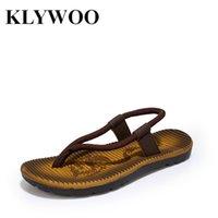 Sandalias al por mayor-calientes sandalias de los hombres del ocio flotan los deslizadores suaves de la playa del tamaño 40-44 sandalias ocasionales del mensajero de los flips-flopes Zapatos Hombre