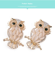 amazon wedding gifts - 2016 Hot selling amazon gold owl pin pearl crystal brooches gentleman cat eye ancient dark green eyes personable corsage