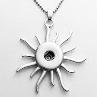 achat en gros de bouton d'alliage de zinc-Vente en gros Sun collier pendentif bijoux boutons Collier Chunk bijoux boutons (ajustement 18mm 20mm clips) Alliage de zinc