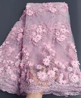 al por mayor con cuentas de patio-5 yardas de color rosa Clásico bordado francés neto encaje tejido de encaje de tul de África con un montón de diamantes de imitación de granos para bodas grandes ocasiones