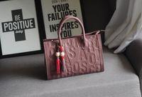 Wholesale Cowhide Luxury Genuine Leather Handbags Embossed Letter Women Fashion Handbags Portable Totes Shoulder Messenger Cross Body Bag