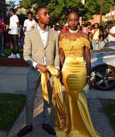 Elegant Satin Amarelo Prom Formal vestidos para Black Girl 2017 Off Top Shoulder Lace Train Capela Além disso Vestidos noite Ocasião Custom Made