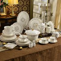 Wholesale Porcelain dinnerware set bone china The letter design outline in gold dinnerware sets dinner set housewarming gifts