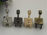 Wholesale Free delivery color twist lock rod lock plate metal lock pendant accessories bag base