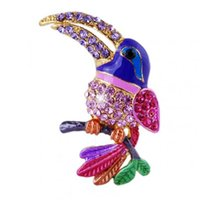 Unisex beautiful colorful birds - Beautiful crystal colorful bird Brooch pins gold plated animal Brooches for wedding women decoration jewelry