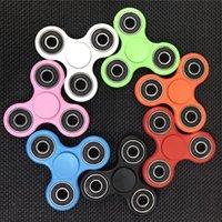 Wholesale Fingertip gyroscope Tri Spinner Fidget Toy Plastic EDC Hand Spinner For Autism and ADHD hand spinner EDC Sensory Fidget Spinners