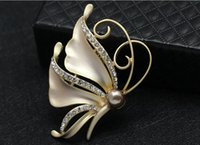 big pectorals - Europe and the United States big pectoral flower butterfly diamond pearl brooches bowknot corsage Clothing fashion joker brooch pin