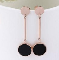 Wholesale Korean version of the earrings round hanging plate black earrings fashion titanium steel rose gold lady hanging round card earrings
