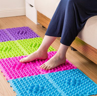 Wholesale 2017 new cm Explosion Pebbles Foot Massage Pad Shiatsu Blanket Yoga Mat Game Props and can free ship