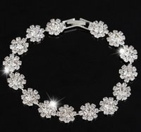 Women's ad diamonds - The new euramerican popularity bracelet with small petals contracted fashion and personality temperament lady bride diamond bracelet ad