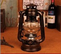 Wholesale Kalrede Camping and hiking Lamp Metal Classic Candle Lantern Holder Retro Kerosene Lamp light Iron Film Art props Holiday Gift