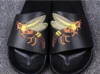 Wholesale Bee Sandals Summer Outdoor Beach Bee Design Luxury Designer European Brand Casual Slippers Hot Sale