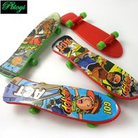 Wholesale Superior Quality Cartoon Mini Finger Skate Children Motion Alpinia Oxyphylla Toys Factory Direct Sales PX1018