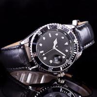Wholesale 2016 new luxury brand women clothes men look at women bracelet strap watch female role table quartz clock De