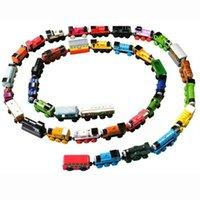 Precio de Trains-LOTE libre del coche del TREN de las compras del sistema completo de madera 70pcs de juguetes del tren del juguete del coche (1set = 70pcs)
