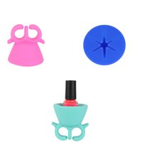 Wholesale 2017 Newest Silicone Nail Polish Bottle Holder Flexible Durable Wearable Silicone Manicure Beauty Stand For Piece