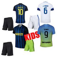 Wholesale Die beste Qualität Jahren inters Mailand Kinder Fußball Suite versandkosten Blau weißen hemd angepasst werden kann