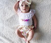 Precio de Bandas para la cabeza de encaje blanco para bebés-INS La correa impresa floral 3pcs de los cortocircuitos del bebé sin mangas del chaleco del cordón blanco de las muchachas del verano fija el juego de los bebés de los equipos de los bebés de los cabritos 0-3years