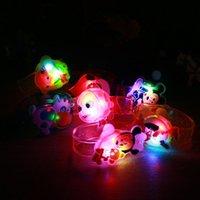 Lueur jouets pour les garçons France-Grossiste-1x Creative enfants de bande dessinée de regarder les garçons filles flash Bracelet bracelet lumineux lumineux bracelets enfants / cadeaux de fête d'anniversaire jouets