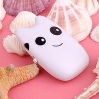 Grossiste-Loisirs Smille Nice Cadeaux de Noël Cat Totoro Cartoon Cat Mini Cute Style 32GB de stockage USB2.0 Cartoon Pattern MP3 Player