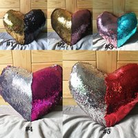Wholesale New Pillowcase Heart shaped Mermaid Sequin Pillowcase Color Changing Cushion Cover
