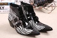 Nuevos zapatos de invierno hombres de cuero genuino señaló los hombres de la hebilla de dedo del pie botas de vestido de la cebra hombres de la tira de altura Inceased tacones altos 46