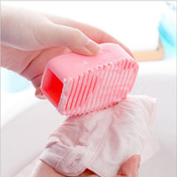 Wholesale cute candy colored silicone laundry plastic scrubboards hores clean clothes cleaning brush mini laundry rub handheld mini washboard