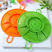 Wholesale 100 food grade Silicone Kitchen accessories Supplies Microwave Silicone Steamer Heatproof Plate Steam Tray