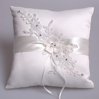 Wholesale Handmade white wedding ring pillow romantic lace flower ring pillow for wedding cushion home decoration