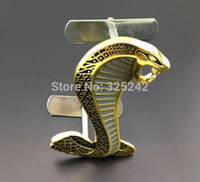 Wholesale Excellent Metal Front Grille Smooth Glossy car Emblem Badge Cobra gold For Ford Mustang car Sticker car styling