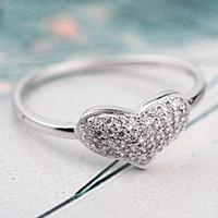 al por mayor allanar joyería de moda-La manera auténtica de la joyería de la multa del anillo de la plata esterlina 925 pavimenta el corazón del amor con los anillos cristalinos para el regalo HRA0113 del banquete de boda de las mujeres