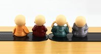 decoraciones artificiales chinas al por mayor-4pc / set Monjes Chinos Figurilla Budista Shaolin Monje Figuras De Resina De Artesanía Decoración Para El Hogar Decoración De Coches Decoración De Regalo De Juguete