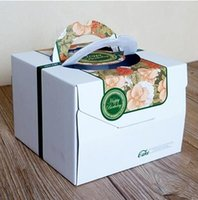 Wholesale Square high quality food grade corrugated packaging box Green flower theme cake cases Hand held pastry box