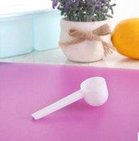 Barato plástico blanco profesional 5 gramos 5g cucharadas / cucharas para alimentos / leche / polvo de lavado / Medicina Medición