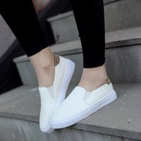 Chaussures blanches chaudes Prix-Hot Sell Ladies White Flats Round Head Femmes Plat Chaussures 2017 Spring Slip on Chaussures Platform Lazy Flats Chaussures Black Flats Sandals
