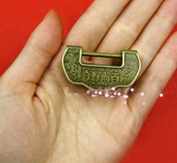 Wholesale Hardware supplies Antique Mini small antique lock box Chinese padlock cross open bronze lock old ancient lock