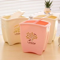 Wholesale Creative Table Mini Trash Bin Can Home Office Clutter Bucket Mini Trash Basket Garbage Can with Flap Lid Desktop Car Wastebasket