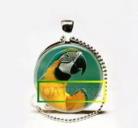 Collar al por mayor del Macaw del azul y del oro, joyería del pájaro, joyería tropical del colgante del arte tropical de la selva tropical del loro