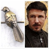berry pins - 2pcs Vintage Game of Thrones brooch Song of Ice and Fire little finger Berry seats Mockingbirds Pin Broochs Men Pin