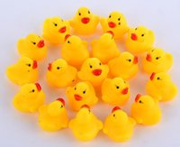 Wholesale NEW High Quality Baby Bath Water Duck Toy Sounds Mini Yellow Rubber Ducks Bath Small Duck Toy Children Swiming Beach Gifts CC813