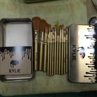 best iron sets - 2017 Best Seller Kylie Makeup Brush Pieces Professional Makeup Brush Set Kit with Iron Box DHL