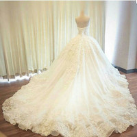 Wholesale Ball Gown Luxury Wedding Dresses Beaded Flower Appliques Lace Sweetheart Court Train Bridal Gowns Court Train Custom Size